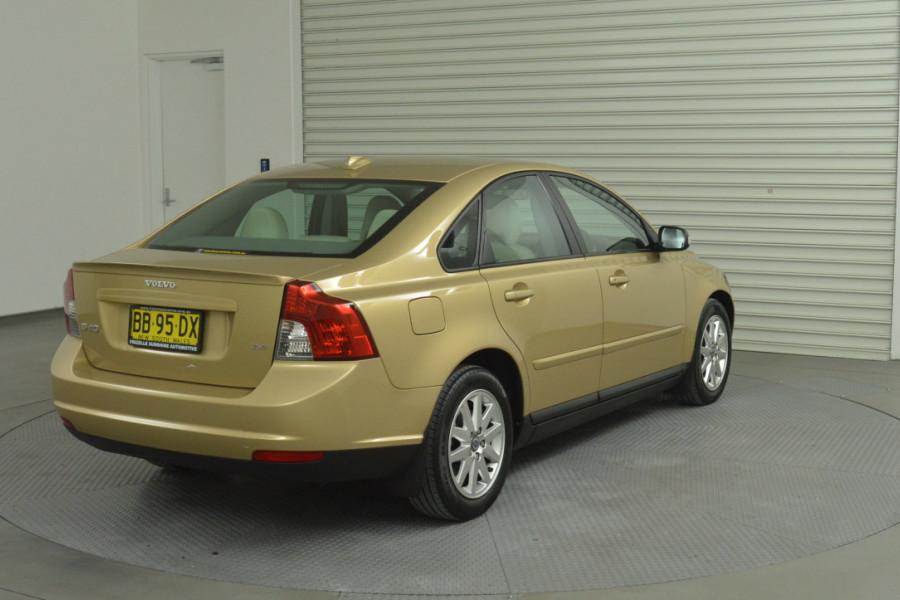 2008 Volvo S40 Vehicle Description. M  MY08 S Sedan 4dr SA 5sp 2.4i S Sedan Mobile Image 8