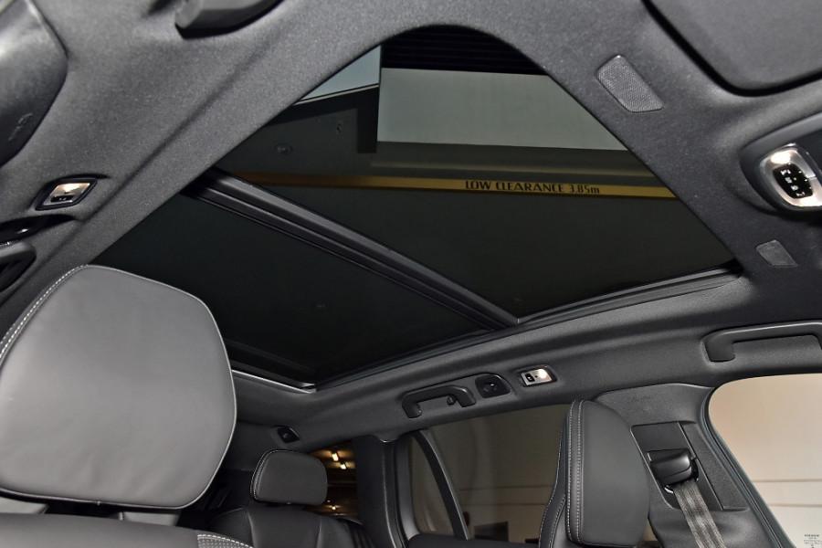 2020 Volvo V60 T5 R-Design T5 R-Design Wagon Mobile Image 13