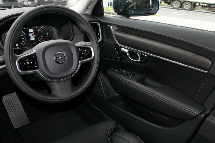 2019 Volvo V90 Cross Country D5 Wagon Mobile Image 7