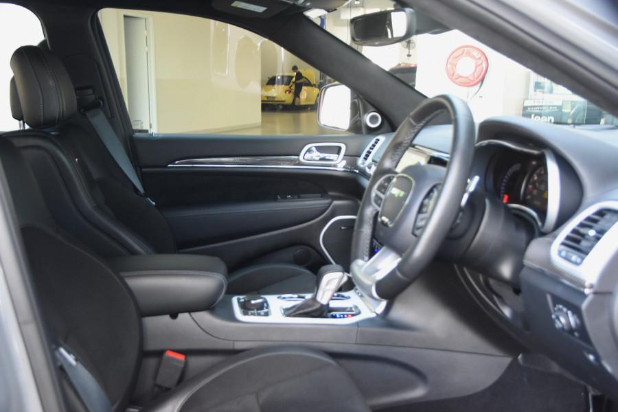 2019 Chrysler Grand Cherokee SRT 4x4 6.4L 8Spd Auto Wagon Image 10