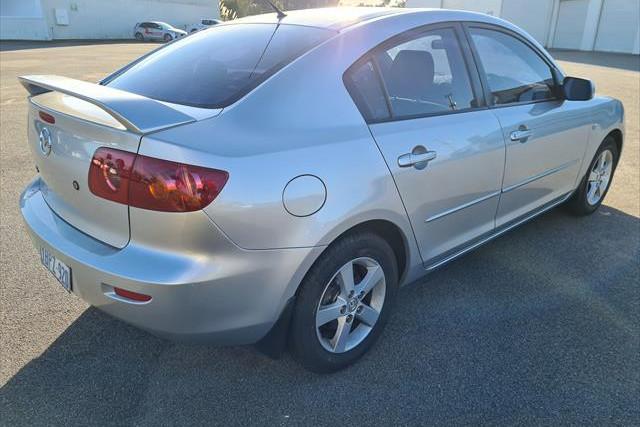 2004 Mazda Mazda3 BK10F1 Maxx Hatchback Image 5