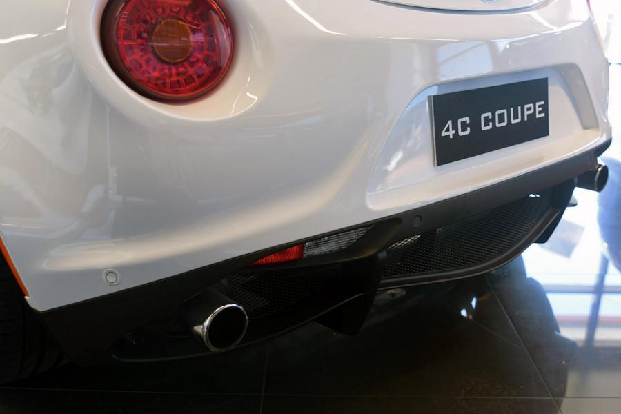 2018 MY17 Alfa Romeo 4C Series 1 Coupe Coupe Mobile Image 9