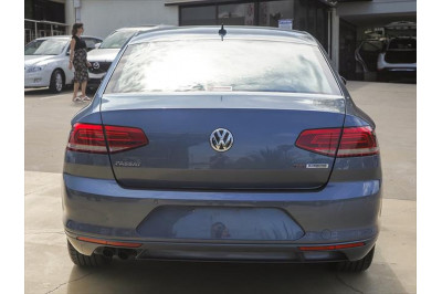 2016 Volkswagen Passat B8 132TSI Comfortline Sedan Image 3