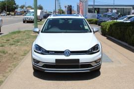 Volkswagen Golf Alltrack Alltrack - 132TSI Premium 7.5  Alltrack 132TSI