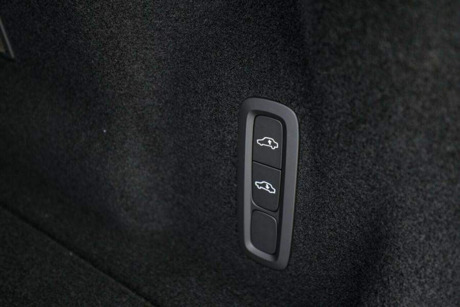 2020 Volvo XC60 UZ T6 R-Design Suv Image 19