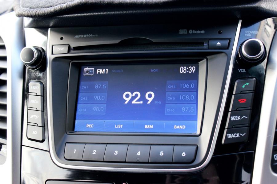 2014 Hyundai i30 GD2 Trophy Hatchback Image 13