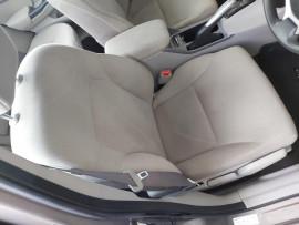 2012 Honda Civic 9th Gen Ser II VTi Sedan image 10