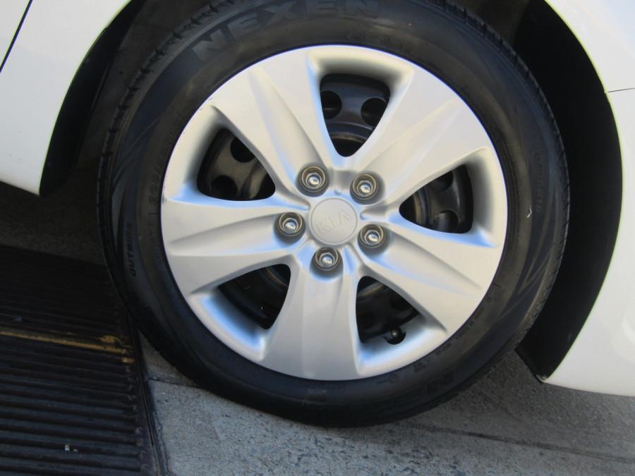 2018 Kia Cerato YD S Hatchback Image 3