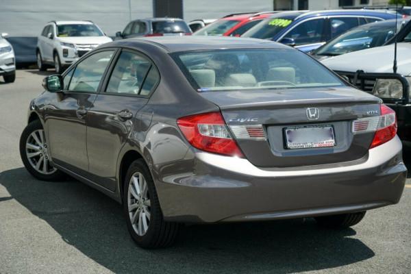 2012 Honda Civic 9th Gen VTi-L Sedan Image 2