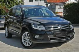 Volkswagen Tiguan 155TSI DSG 4MOTION 5N MY14