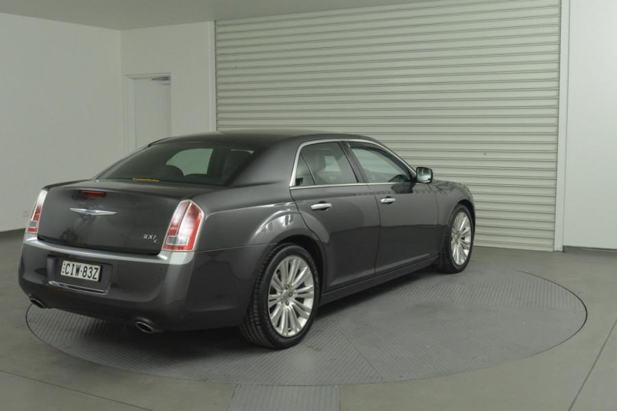 2012 MY13 Chrysler 300 LX C Sedan Mobile Image 8
