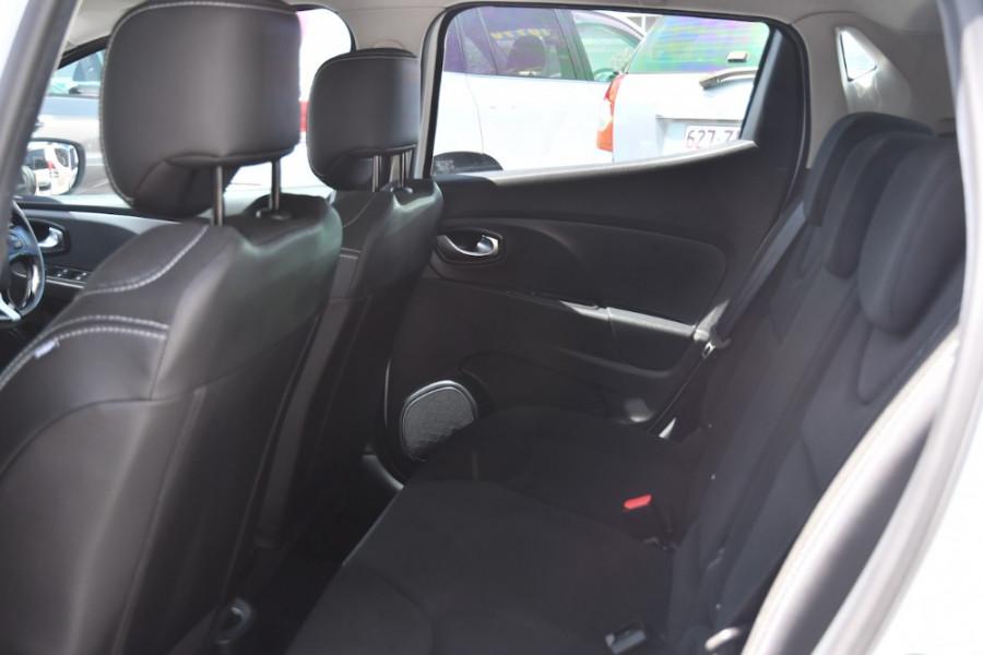 2015 Renault Clio IV B98 Expression Hatchback Image 7