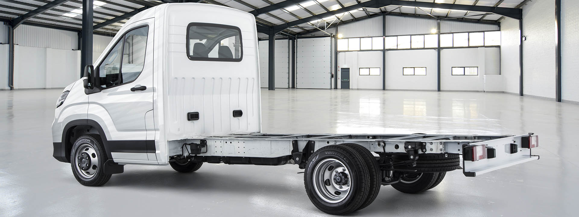 Deliver 9 Cab Chassis Image