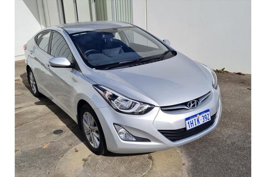 2014 Hyundai Elantra MD3 SE Sedan