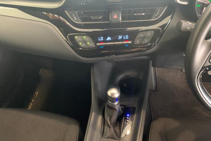 2019 Toyota C-hr NGX10R NGX10R Suv Image 17
