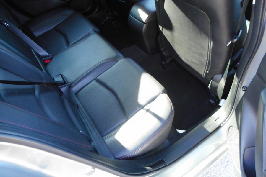 2015 Mazda 3 Hatchback Image 11