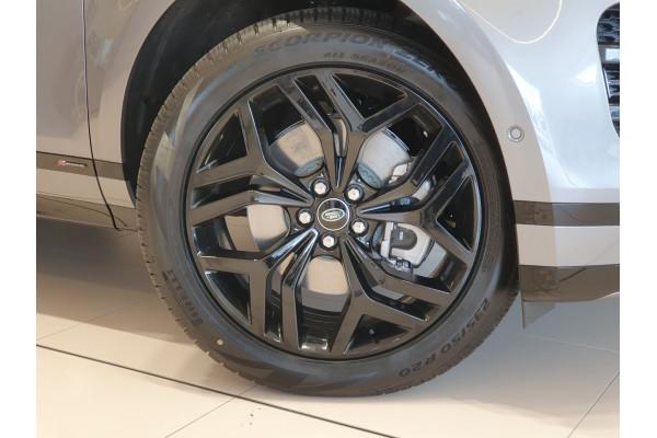2021 Land Rover Evoque Wagon Image 3