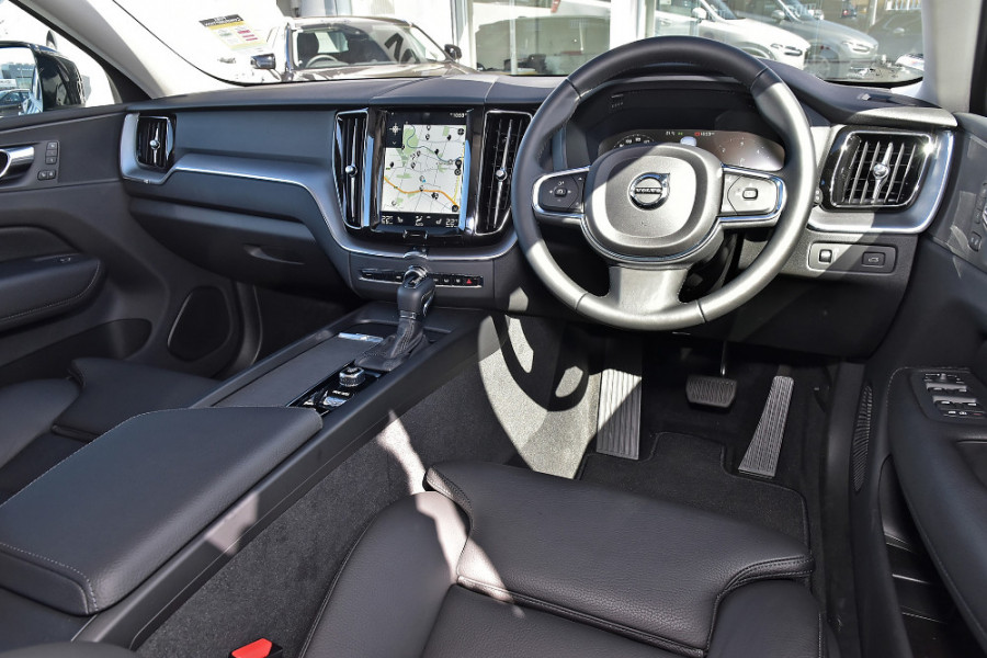 2019 Volvo XC60 UZ D4 Momentum Suv Mobile Image 8