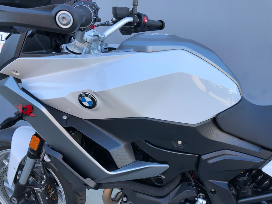 2020 BMW F900 XR Motorcycle Image 7