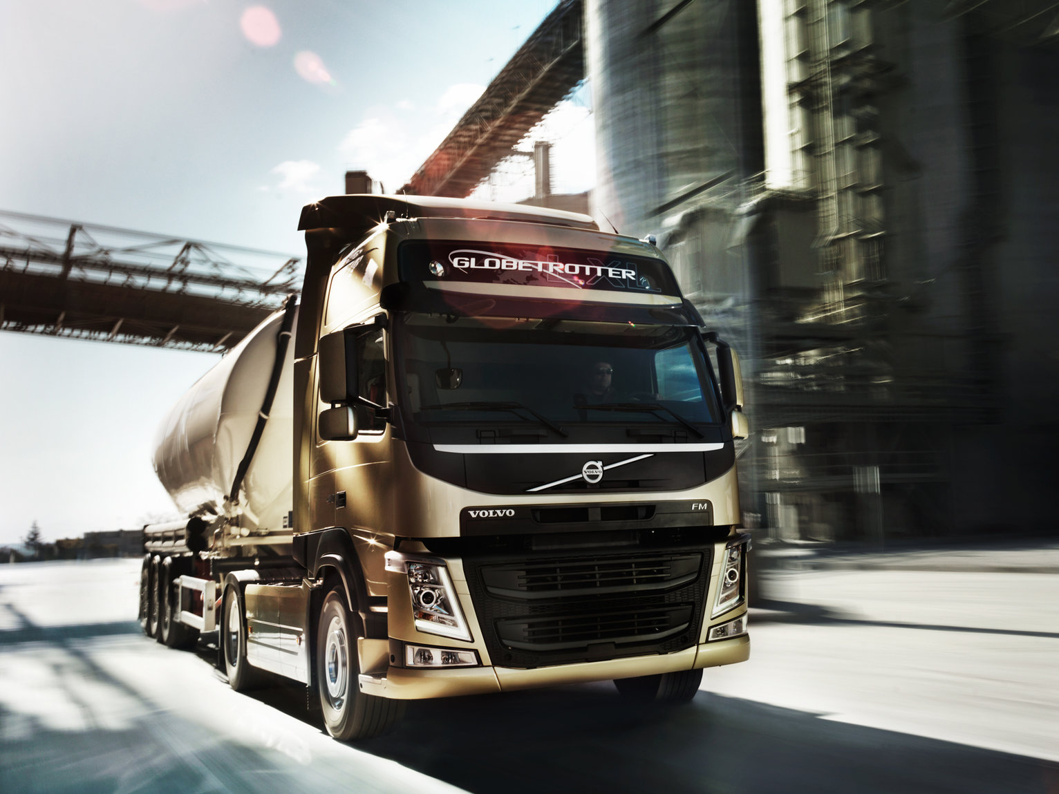 The new Volvo FM Built for drivers. And bodybuilders