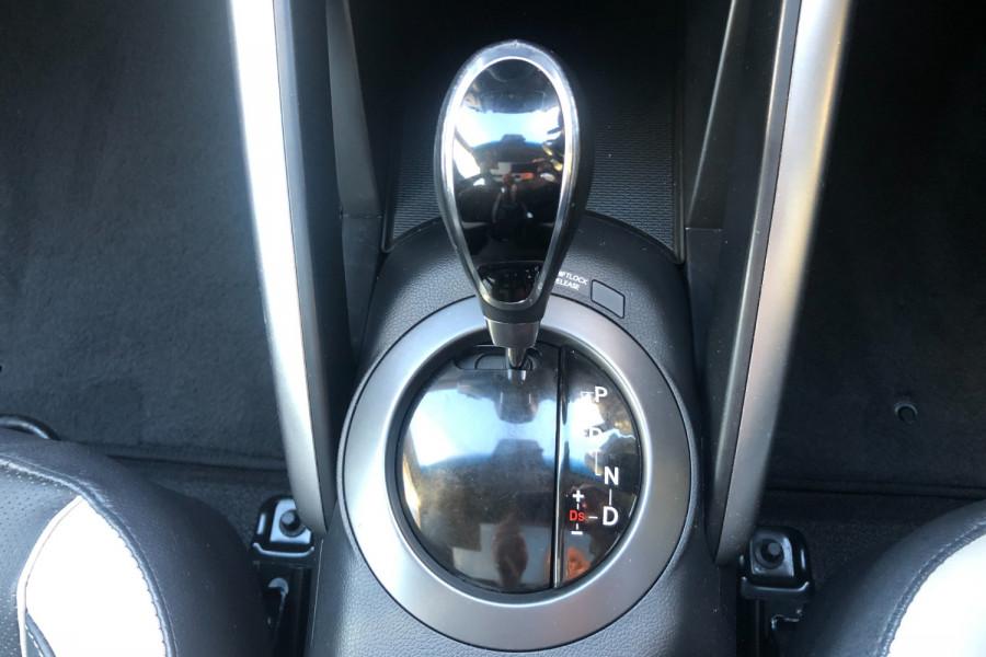 2014 Hyundai Veloster FS3 SR Hatchback Image 23