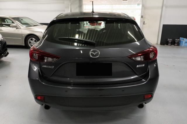 2016 Mazda 3 Hatchback Image 5