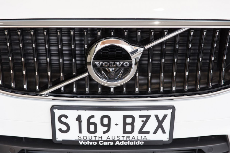 2020 Volvo V90 Cross Country P Series D5 Wagon Image 10