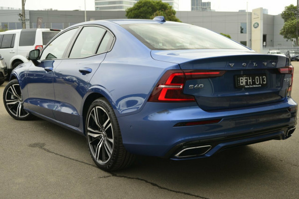 2019 Volvo S60 T5 R-DESIGN Sedan Image 3