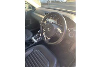 2014 MY15 Volkswagen Passat Type 3C  130TDI Highline Special 130TDI Highline - Special Model Sedan Image 3