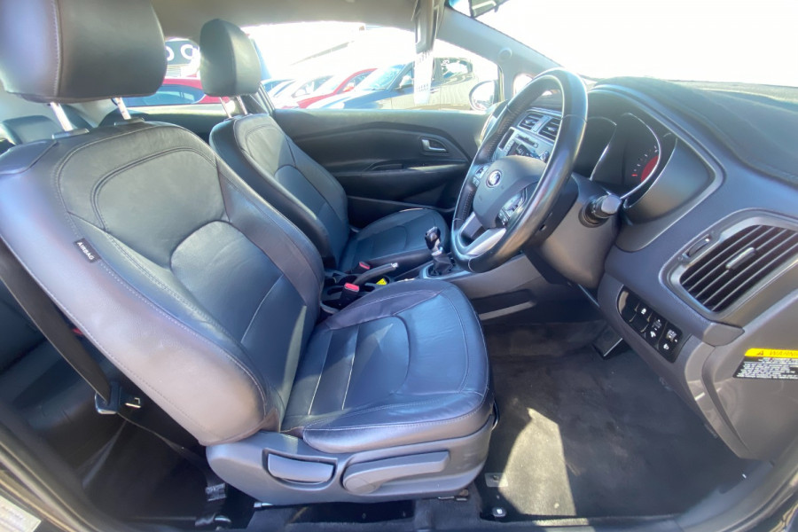 2012 Kia Rio UB  SLS Hatchback Image 10