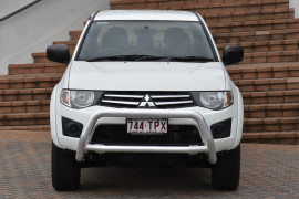 2013 Mitsubishi Triton MN MY13 GLX Utility Image 2