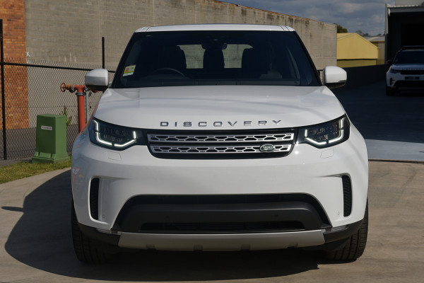 2019 Land Rover Discovery Series 5 HSE Luxury Suv Image 3