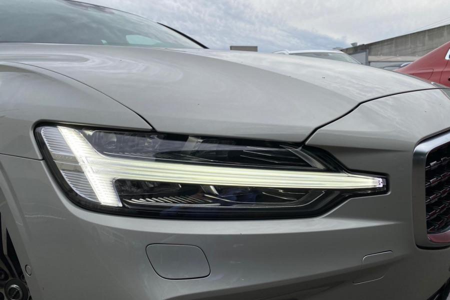 2020 Volvo S60 Z Series T5 R-Design Sedan Image 6