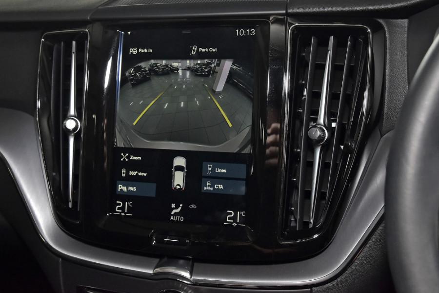 2020 Volvo XC60 UZ D4 Momentum Suv Mobile Image 12
