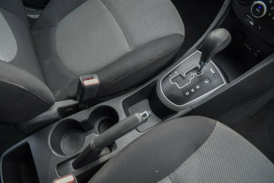 2011 Hyundai Accent RB Active Hatchback Image 14