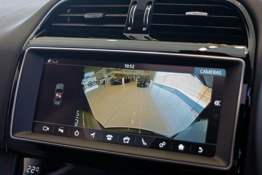 2018 MY19 Jaguar F-pace X761 MY19 30d Suv Mobile Image 7