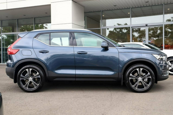 2020 Volvo XC40 XZ T4 Inscription Suv Image 5