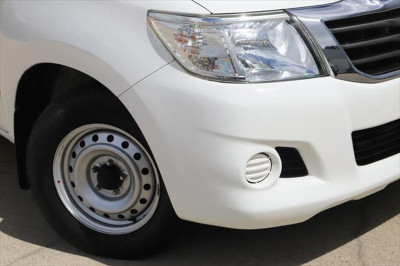 2014 Toyota HiLux KUN16R MY14 SR Cab chassis Image 2