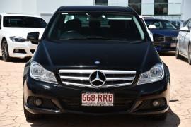 2011 Mercedes-Benz C-class W204 MY11 C200 BlueEFFICIENCY Sedan Image 2