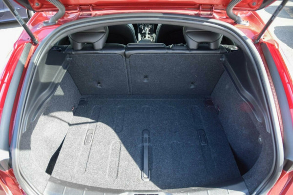 2016 Volvo V40 M Series MY16 T3 Adap Geartronic Kinetic Hatchback Image 5