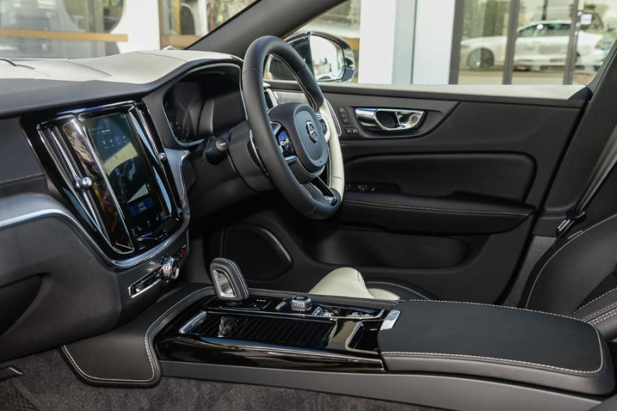 2019 MY20 Volvo S60 Z Series T8 R-Design Sedan Mobile Image 8