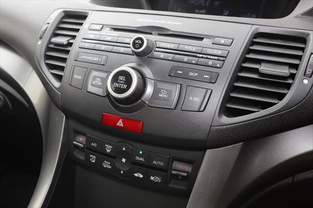 2012 Honda Accord Euro 8th Gen MY13 Sedan Image 16