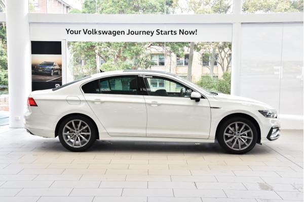 2021 Volkswagen Passat B8 162TSI Elegance Sedan Image 3