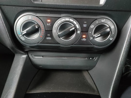 2014 Mazda 3 BM5478 Maxx Hatchback image 13