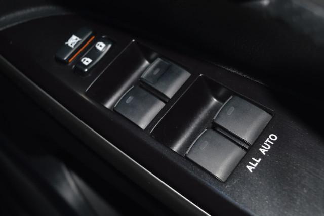 2016 Toyota Landcruiser VX 10 of 25