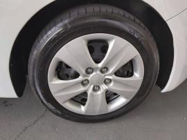 2013 Kia Cerato YD  S Sedan image 29