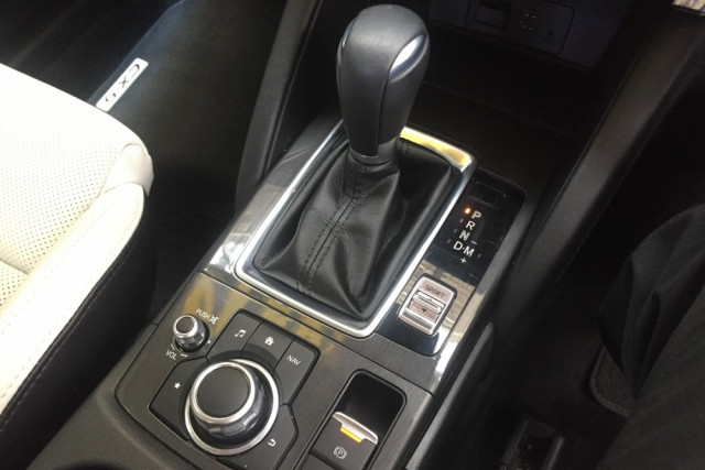 2016 Mazda CX-5 KE Series 2 Akera Awd wagon Mobile Image 20