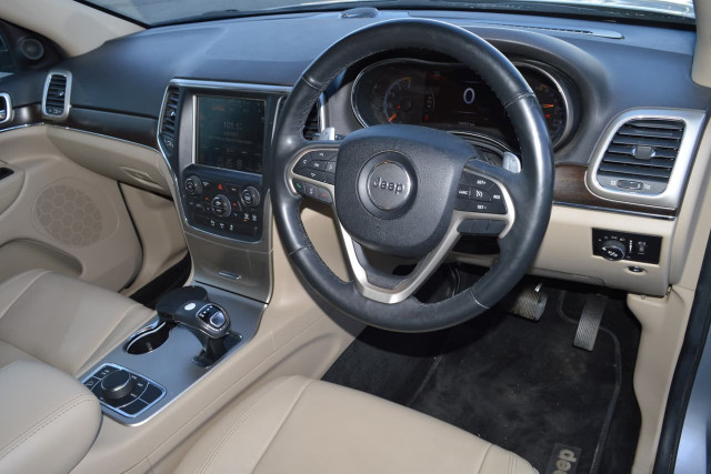 2013 Jeep Grand Cherokee Limited 7 of 27