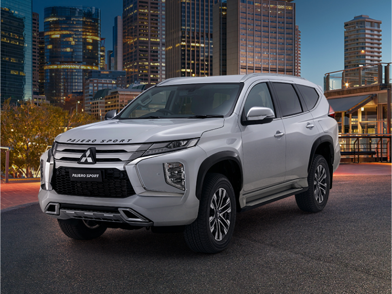 Personalise your Pajero Sport Image