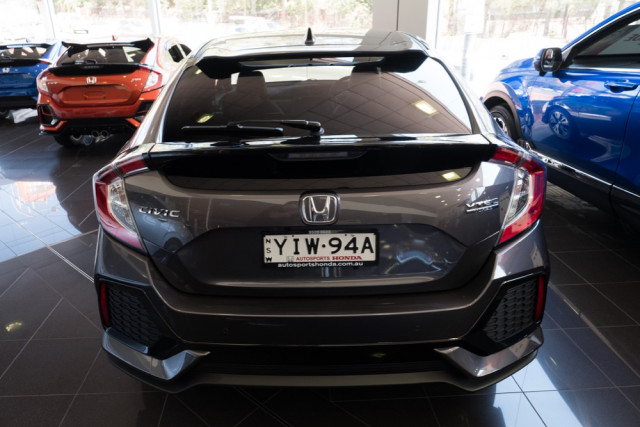 2019 Honda Civic Hatchback Image 3